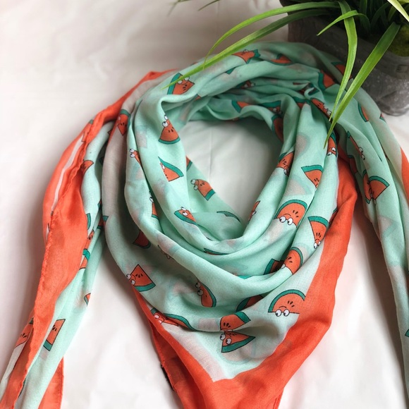 Accessories - Cute Mint and Orange scarf 🧣